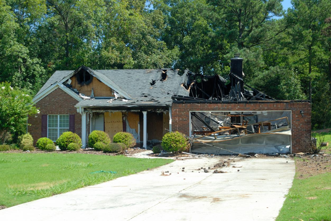 What to Do If You've Been Accused of Arson Fraud | Fell Law Firm | iStock-149852127